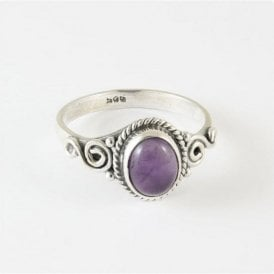 Lila Oval Amethyst Ring