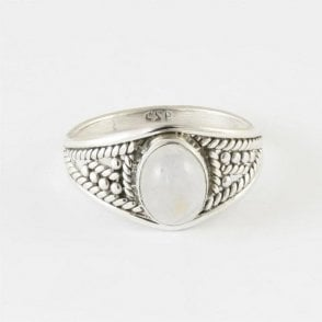 Zinna Oval Rainbow Moonstone Ring